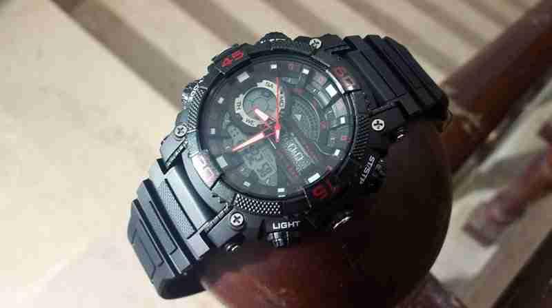 Q&Q GW87J002 Red Black Watch