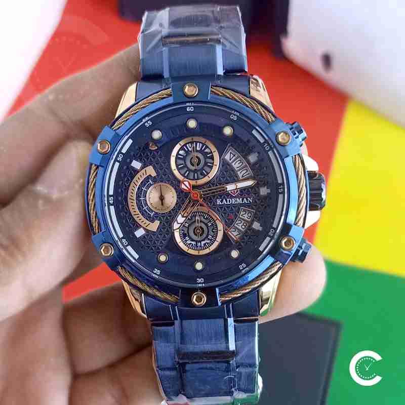 Closeup of Kademan 9087 blue dial & chain mens wrist watch in full blue